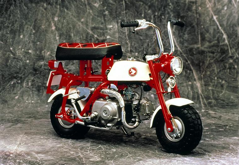 Japánban érdekes módon csak 1967-től forgalmaztak utcai Monkey-kat