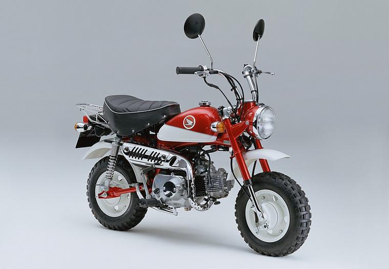 Az ezredfordulóra az 1971-es Z50Z-ig nyúltak vissza, annak a dizájnját ültették át a Millennium Editionre