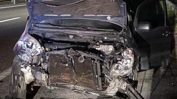Itt a videó arról, mit élhet át, akinek az autójába 170-nel belehajtanak