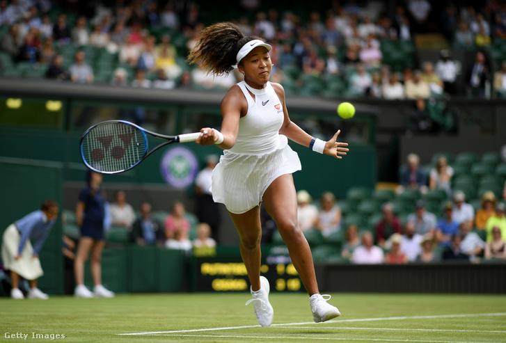 Oszaka Naomi a wimbledoni teniszbajnokságon 2019. július 1-jén Londonban
