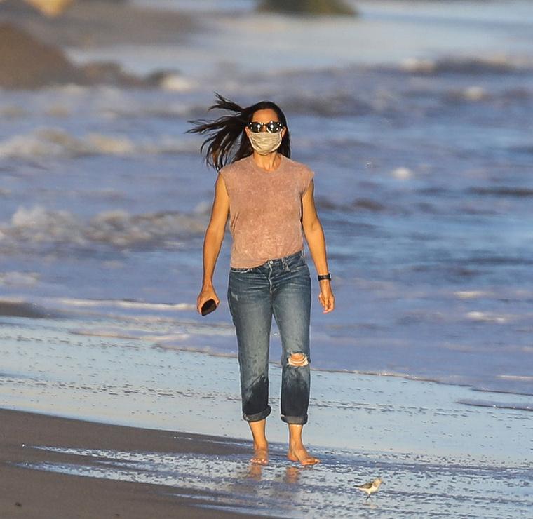 Jennifer Garnert Malibu tengerpartján kapták lencsevégre