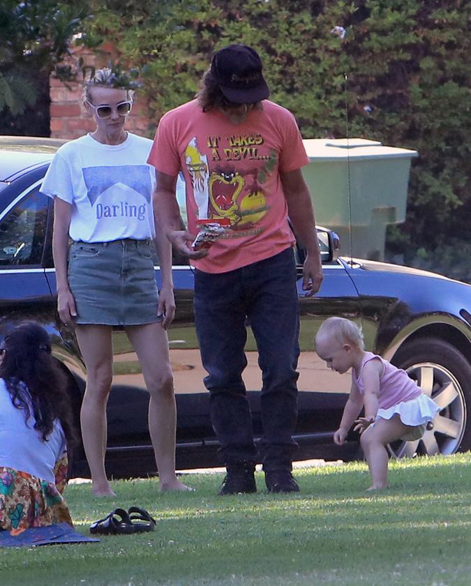 Tavaly novemberben született meg a színésznő Diane Kruger és a szintén színész Norman Reedus közös gyereke, őket láthatjuk most együtt