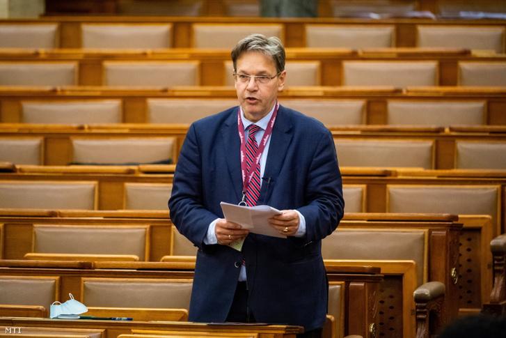Vejkey Imre, a KDNP frakcióvezető-helyettese felszólal a 2022-es költségvetési törvényjavaslat általános vitájában az Országgyűlés plenáris ülésén 2021. május 19-én