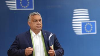 Orbán Viktor visszaszólt a holland kormányfőnek, elárulta, kinek térdel le