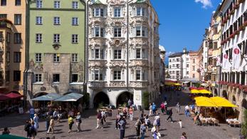 Beengednek az osztrák szállodába, ha keleti vakcinával oltottak?