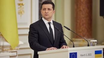 Kemény szankciókat hagyott jóvá Oroszország ellen az ukrán elnök