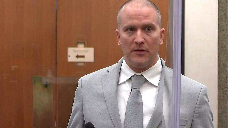 Huszonkét és fél évre ítélték George Floyd gyilkosát