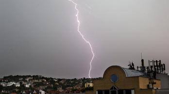 Félelmetes villámok világították be Magyarország egét, és ezzel még nincs vége