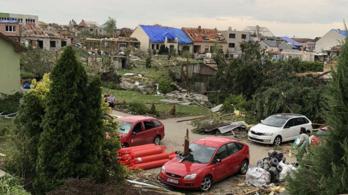 Itt a videó a tornádó utáni csehországi helyzetről
