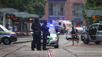 Áruházban lopott késsel indult halálos útjára a würzburgi merénylő