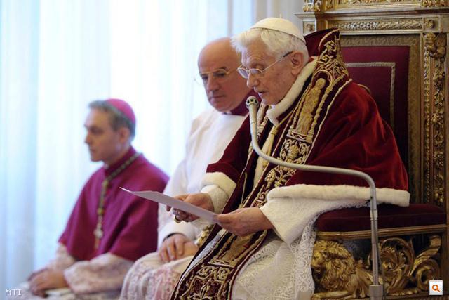 XVI. Benedek pápa bejelenti lemondását a Vatikánban tartott sajtótájékoztatón