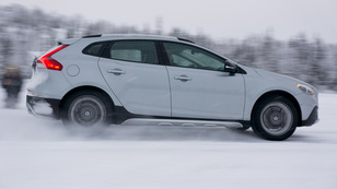 Menetpróba: Volvo V40 T5 Cross Country (2013)