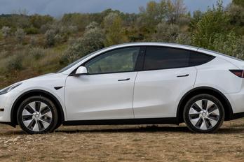 Elkészült az új Tesla Model Y alapváltozat