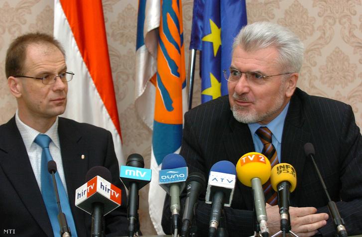 Pálinkás József (j) és Navracsics Tibor (b) 2005. március 5-én