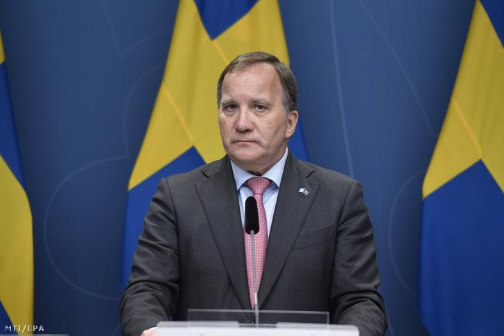Stefan Löfven svéd miniszterelnök sajtótájékoztatót tart Stockholmban 2021. június 28-án