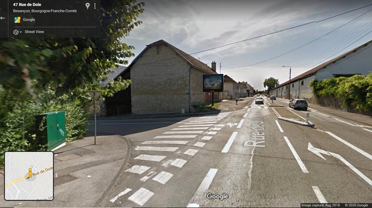 Egy francia kisváros egyik tipikusnak mondható kereszteződése