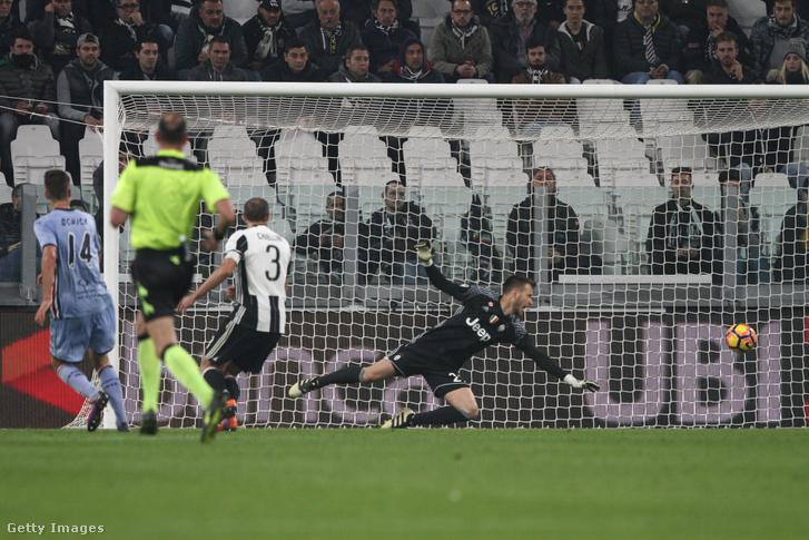 Schick gólja a Juventus ellen