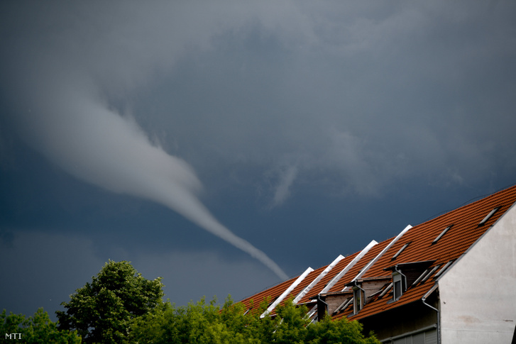 Tuba azaz felhőtölcsér Debrecen felett 2019. május 29-én
