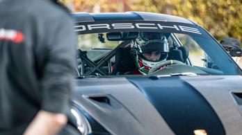 Gratulált, de azért be is szólt a Mercedes a Porschénak a nürburgringi rekord után
