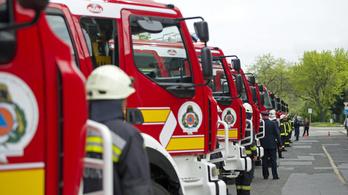 Fáradtan kockáztatják életüket a tűzoltók, mert másodállást kell vállalniuk