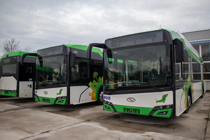 Pakson is közlekednek e-buszok. A legnagyobb európai elektromos buszgyártó, a lengyel Solaris típusait választották a Duna-parti városban