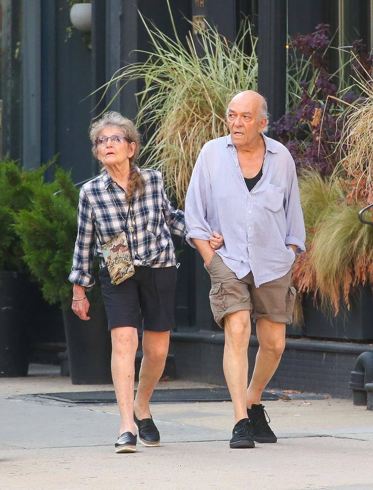 Bár a pár több mint 60 éve van együtt, a most júniusban róluk készült fotók alapján az egymás iránt érzett szeretetük semmit sem változott