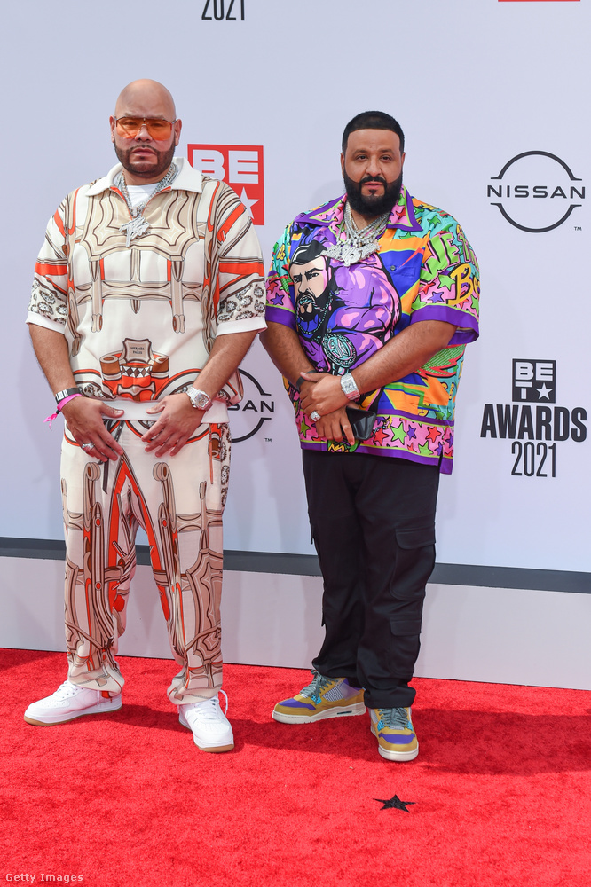 Mások azonban más irányban viszik tovább a férfidivat fejlődését, Fat Joe és DJ Khaled a színes-mintásra esküsznek.