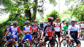 Tüntetés a Tour de France-on, megálltak a versenyzők!