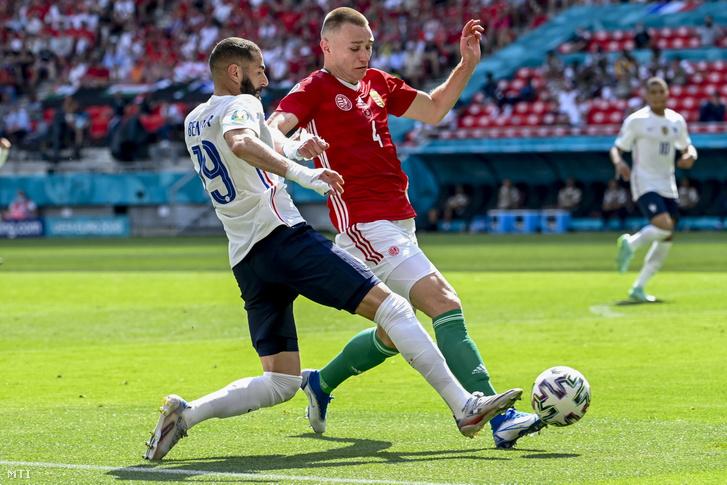 Szalai Attila (j) és a francia Karim Benzema a labdarúgó-Európa-bajnokság F csoportjának második fordulójában játszott Magyarország–Franciaország-mérkőzésen a Puskás Arénában 2021. június 19-én