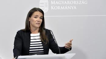 Novák Katalin: a tiltakozók nem ismerik a magyar pedofiltörvényt