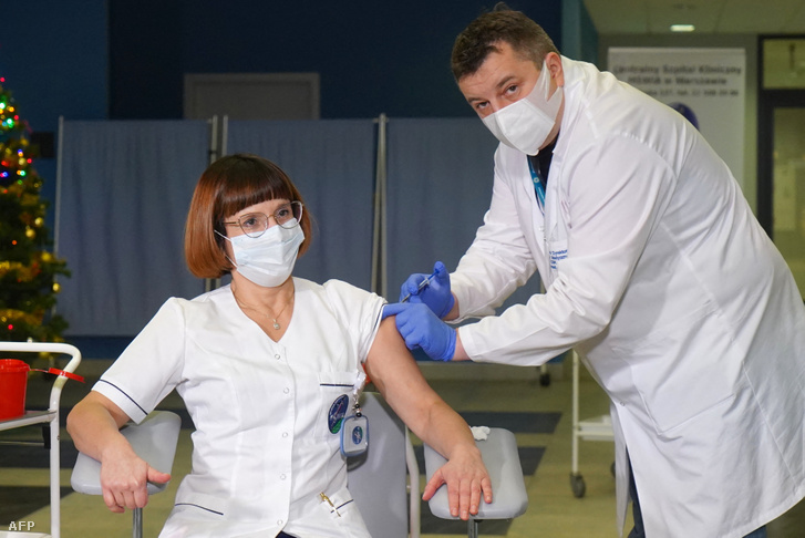 Az első koronavírus elleni oltás Lengyelországban, 2020. december 27-én