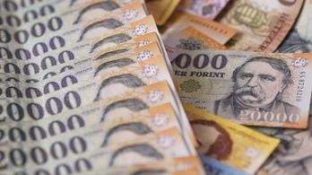 Havi átlagkereset: bruttó 440 ezer forint