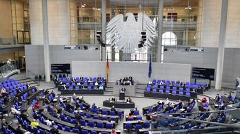 Szűk három hónappal a választások előtt a német CDU az élen