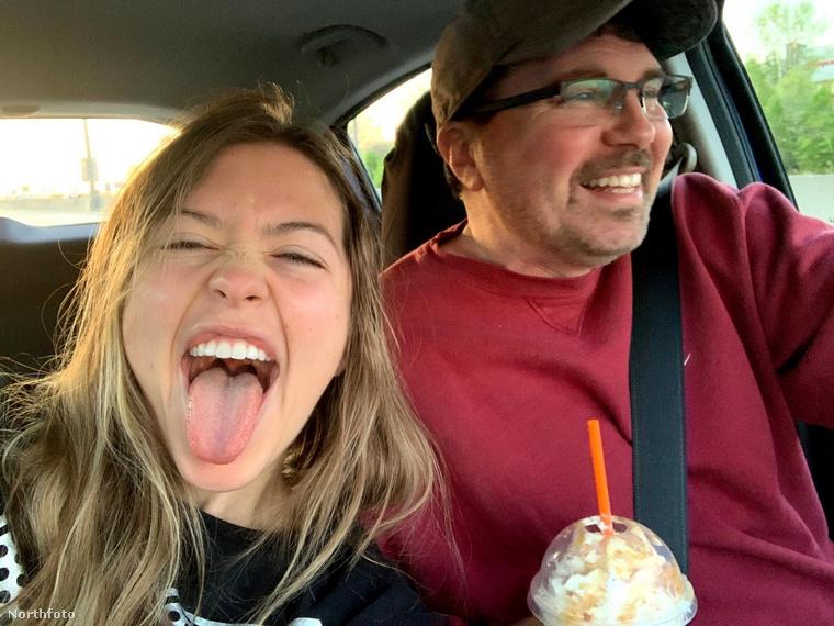 Egy hónap elteltével Darin beült az autóba és elautózott Michiganbe egy randira