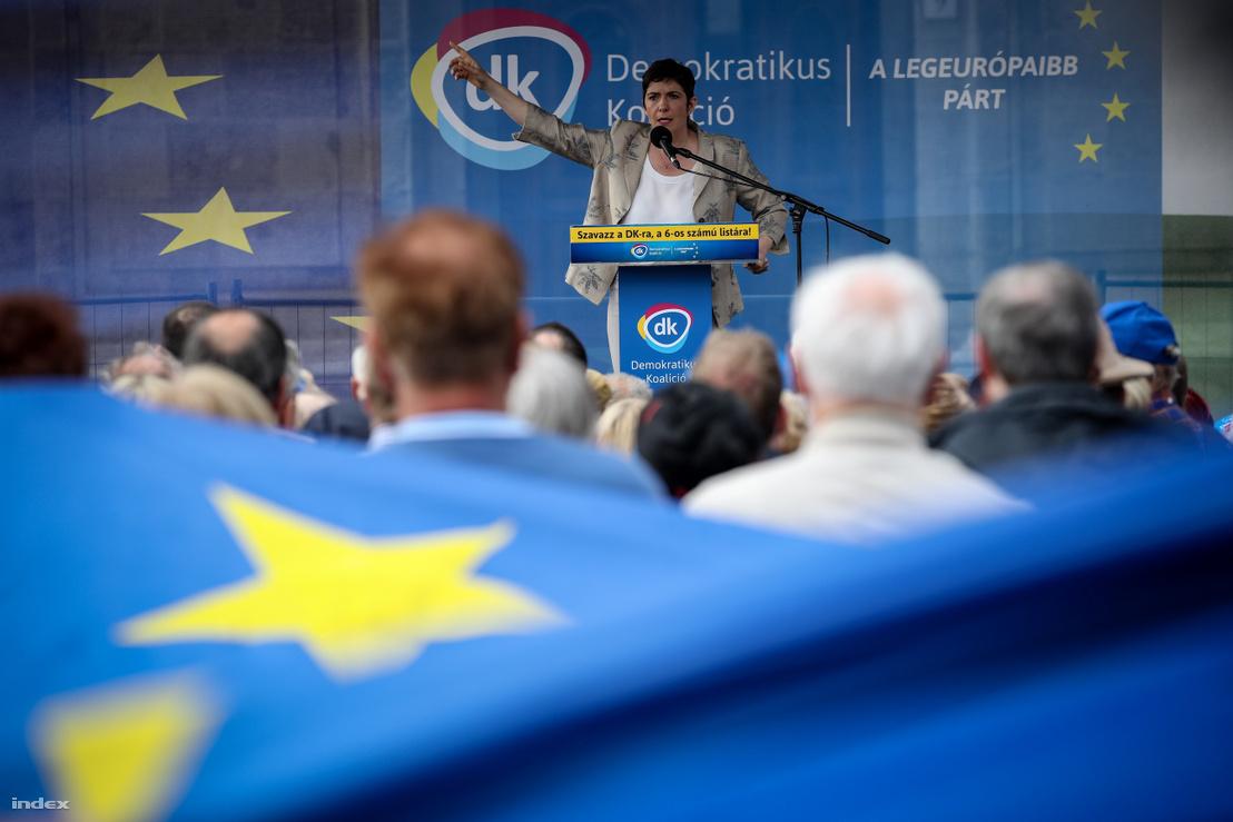 Dobrev Klára beszédet mond 2019. május 24-én