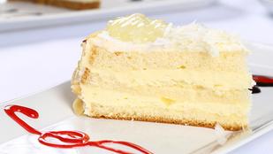 Egyszerű vaníliatorta rumos habbal – gyors piskótatésztás édesség