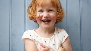 Amikor a képedbe nevet a gyerek, valójában saját magát nyugtatja