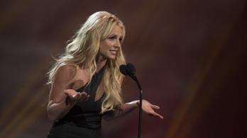A bíróság megtagadta Britney Spears kérelmét, továbbra is apja gyámsága alatt marad
