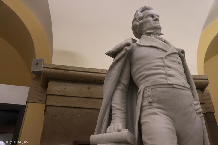 John Calhoun egykori alelnök szobra a Capitolium épületében