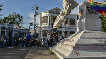 Ledöntötték Kolumbusz Kristóf szobrát Kolumbiában