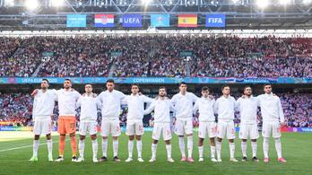 A spanyol labdarúgók ezért nem éneklik a himnuszt a meccsek előtt