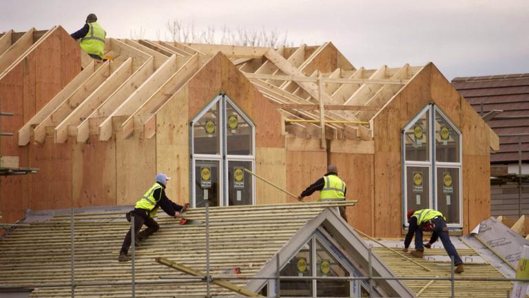 A kormány riadót fújt, hogy érjen is valamit a felújítási támogatás