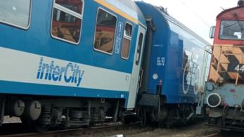 InterCity siklott ki Rákosrendezőn