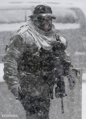 Los angeles-i kommandós a hóban a Dorner elleni hajtóvadászat közben