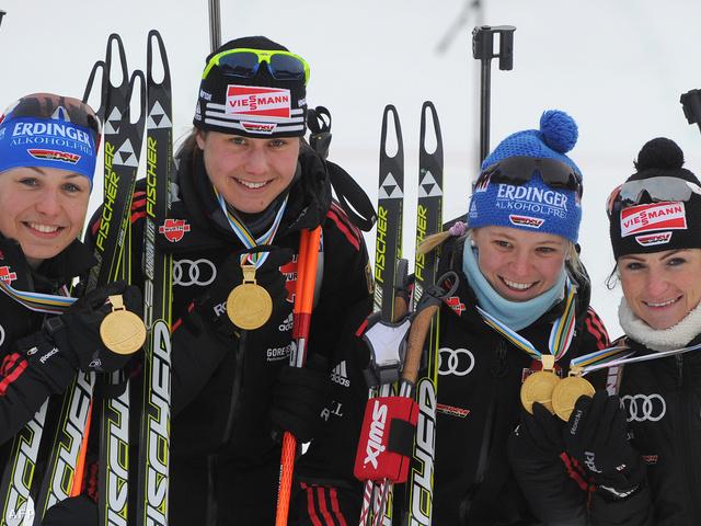 2011-ben Neuner (balról az első) és Gössner (harmadik) még együtt nyertek váltóaranyat