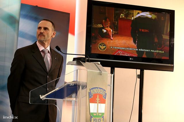 A BRFK sajtótájékoztatóján bemutattak néhány jelenetet az elfogásról