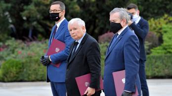 Újraválasztották pártelnöknek Jarosław Kaczyńskit, utolsó ciklusára készül
