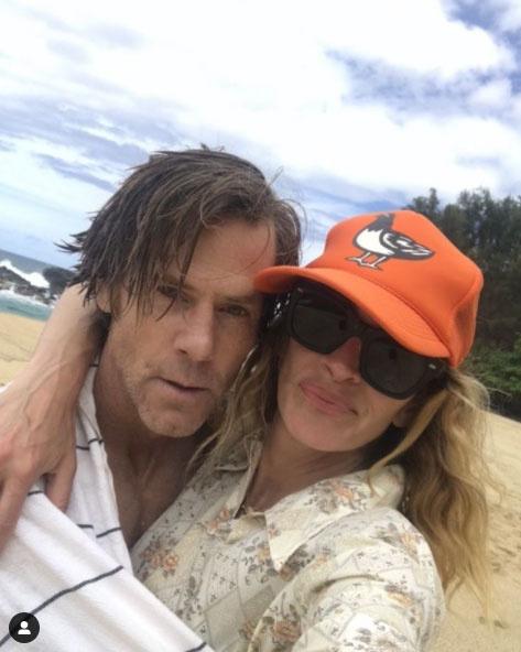 Julia Roberts és Daniel Moder egy tengerparti szelfivel ünnepelték 19. házassági évfordulójukat.