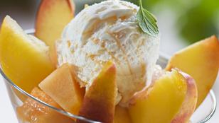 Ropogós fagyikehely: grillezett nektarinnal és vaníliás joghurttal a legfinomabb