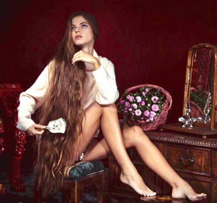 Érdekesség, hogy az elmúlt időszakban általunk is bemutatott hosszú hajú hölgyek többsége kelet-európai